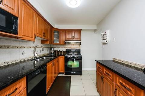 Condo for sale at 7406 Darcel Ave Unit 19 Mississauga Ontario - MLS: W4391342