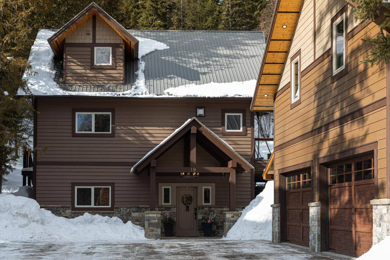 House for sale at 19 Alpine Trail Crescent  Fernie British Columbia - MLS: 2450590