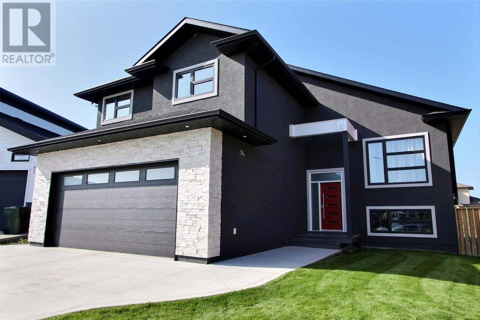 House for sale at 19 Borrowman Pl Prince Albert Saskatchewan - MLS: SK827441