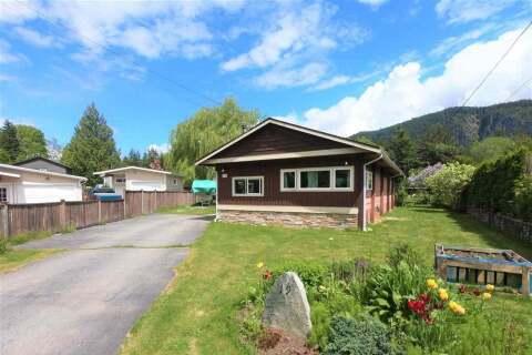 Home for sale at 19 Bracken Pw Squamish British Columbia - MLS: R2456930