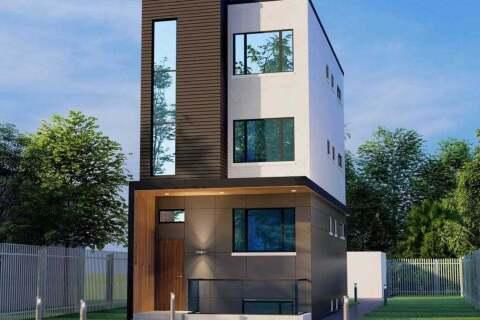 Home for sale at 19 Burlington St Toronto Ontario - MLS: W4781386