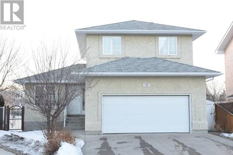 House for sale at 19 Castle Pl Regina Saskatchewan - MLS: SK800288