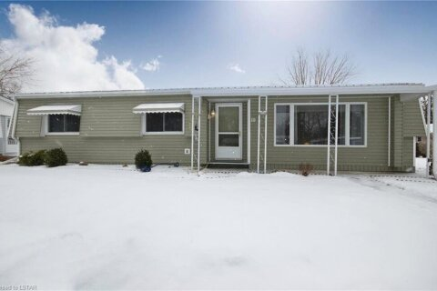 Home for sale at 19 Cypress Point Cres Grand Bend Ontario - MLS: 40054351