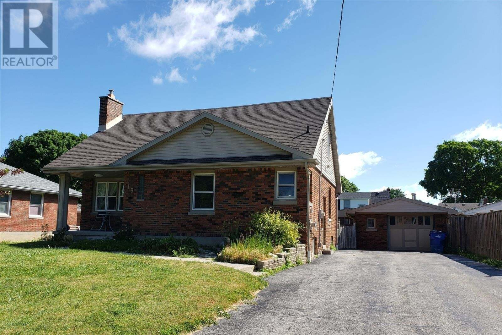 House for sale at 19 Dolsen Road  Chatham Ontario - MLS: 20007559