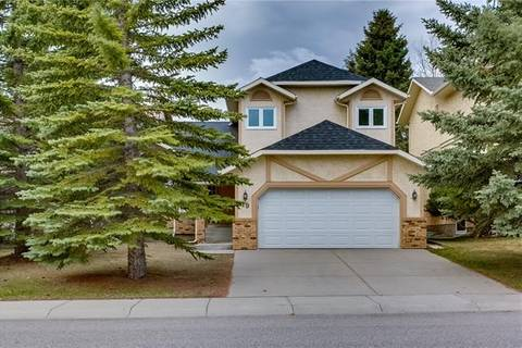House for sale at 19 Edelweiss Dr Northwest Calgary Alberta - MLS: C4245070