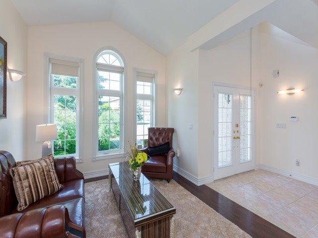 For Sale: 19 Farnham Drive, Richmond Hill, ON | 4 Bed, 4 Bath House for $2,190,000. See 20 photos!