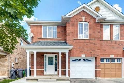 Townhouse for sale at 19 Farthingale Cres Brampton Ontario - MLS: W4555401