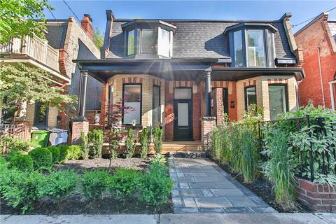 Townhouse for sale at 19 Geneva Ave Toronto Ontario - MLS: C4492076