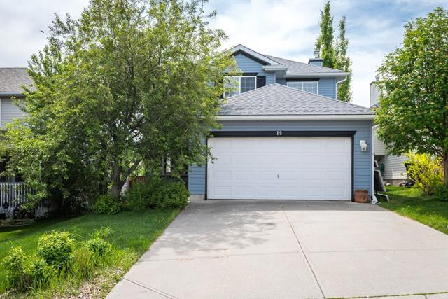 Sold: 19 Hidden Ridge Place Northwest, Calgary, AB