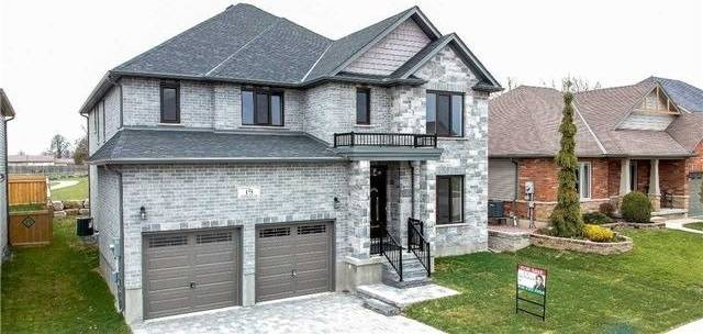 House for sale at 19 Irongate Dr Brant Ontario - MLS: X4394356