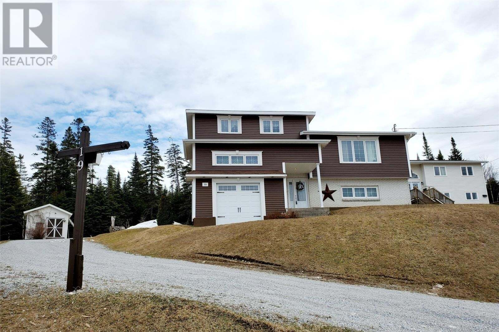 House for sale at 19 Lady Diana Cres Massey Drive Newfoundland - MLS: 1213074