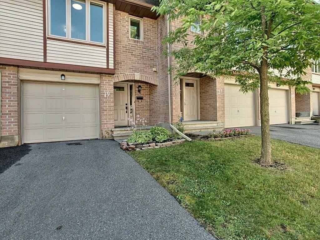 Townhouse for sale at 19 Lightfoot Pl Kanata Ontario - MLS: 1164817