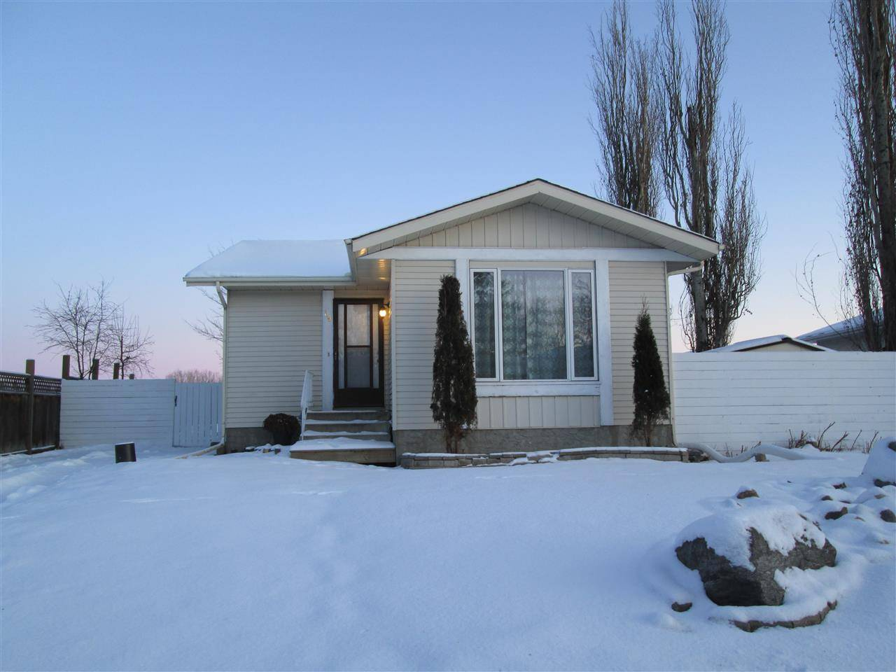 House for sale at 19 Lunnon Dr Gibbons Alberta - MLS: E4183806