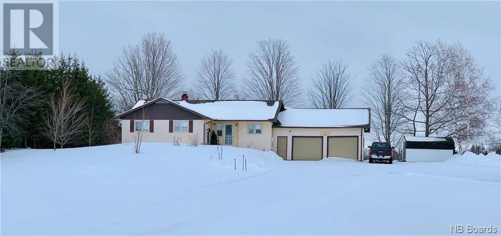 House for sale at 19 Macdonald Rd Upper Woodstock New Brunswick - MLS: NB030884