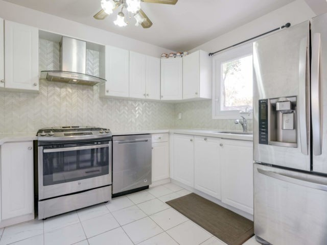 For Sale: 19 Pennywood Road, Brampton, ON | 3 Bed, 2 Bath House for $679700.00. See 14 photos!