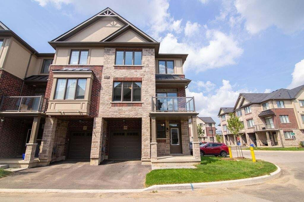 Townhouse for sale at 19 Ritchie Ln Ancaster Ontario - MLS: H4085131