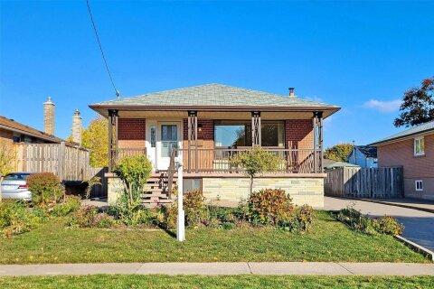 House for sale at 19 Rowallan Dr Toronto Ontario - MLS: E4966299