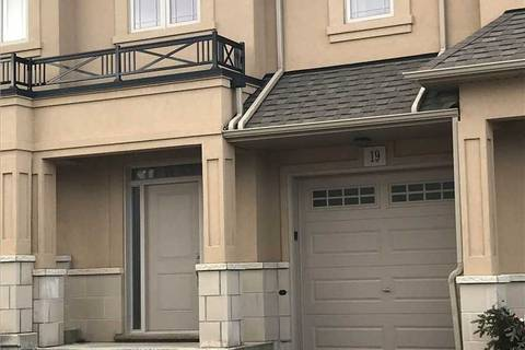 Townhouse for rent at 19 Sonoma Valley Cres Hamilton Ontario - MLS: X4681184