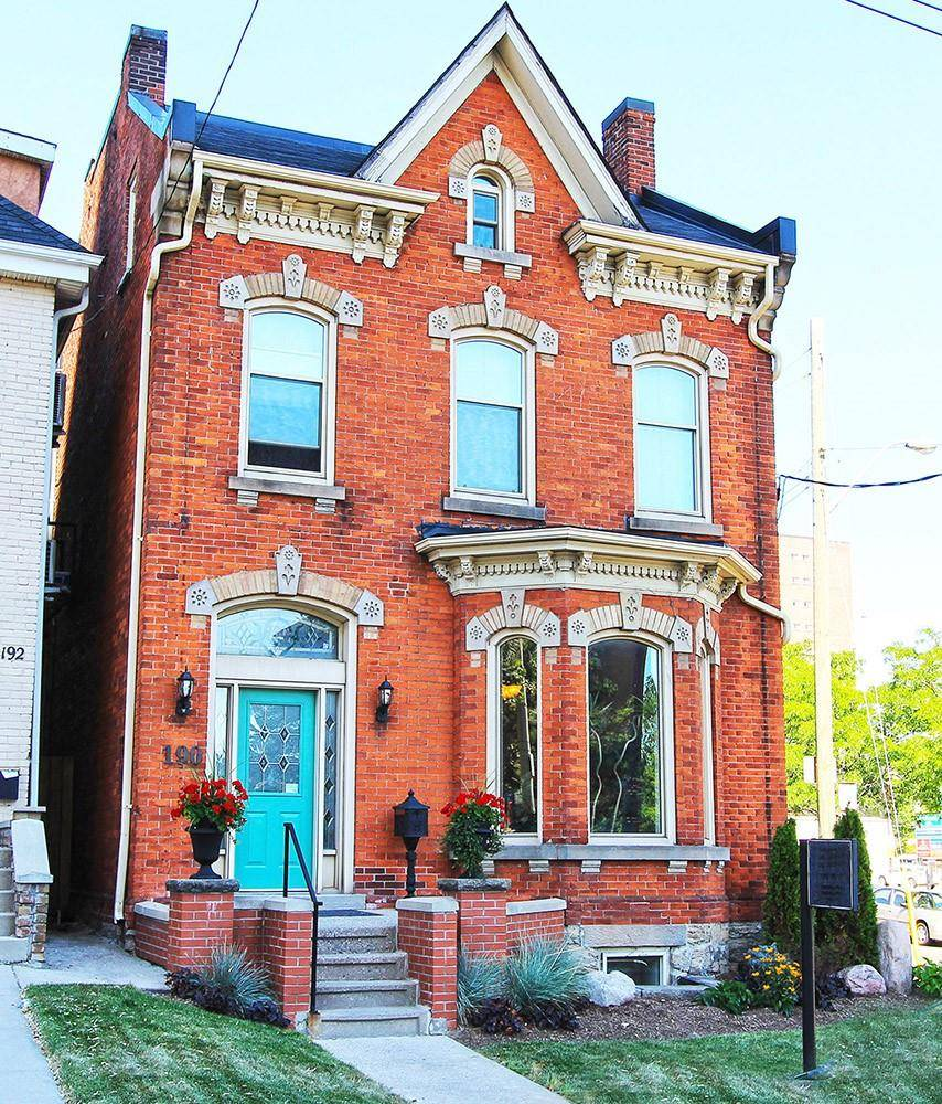 Residential property for sale at 190 Catharine St S Hamilton Ontario - MLS: H4064291