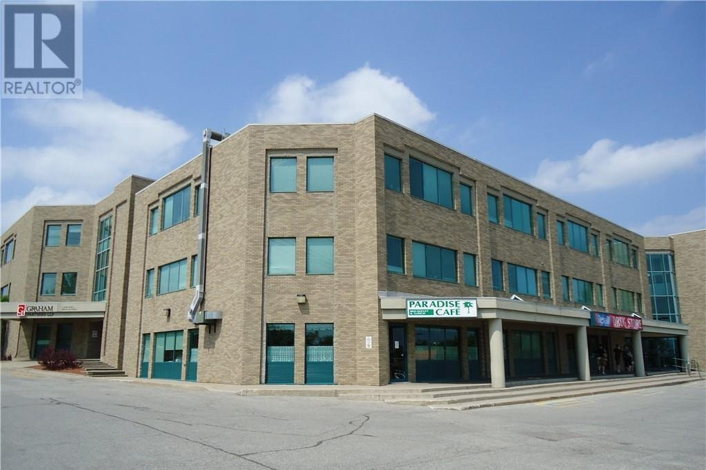 Commercial property for lease at 190 Cundles Rd East Barrie Ontario - MLS: 40041818