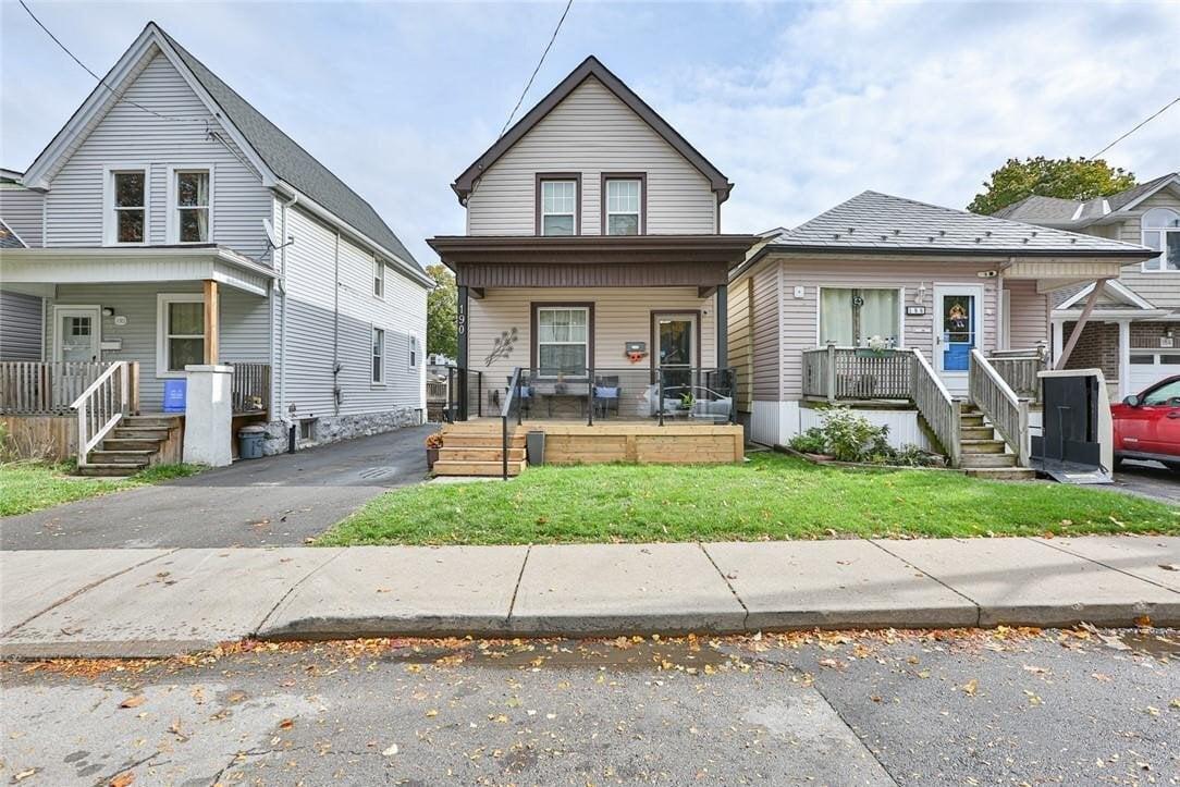 House for sale at 190 Kensington Ave N Hamilton Ontario - MLS: H4091395