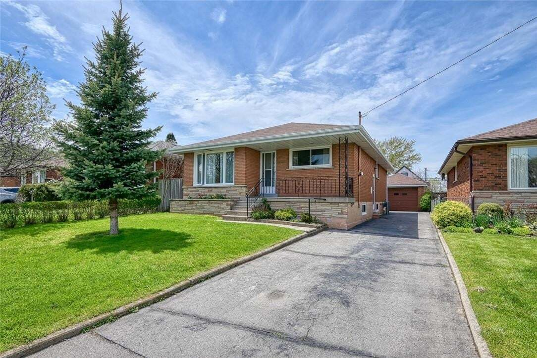 House for sale at 190 Tuxedo Ave S Hamilton Ontario - MLS: H4078342
