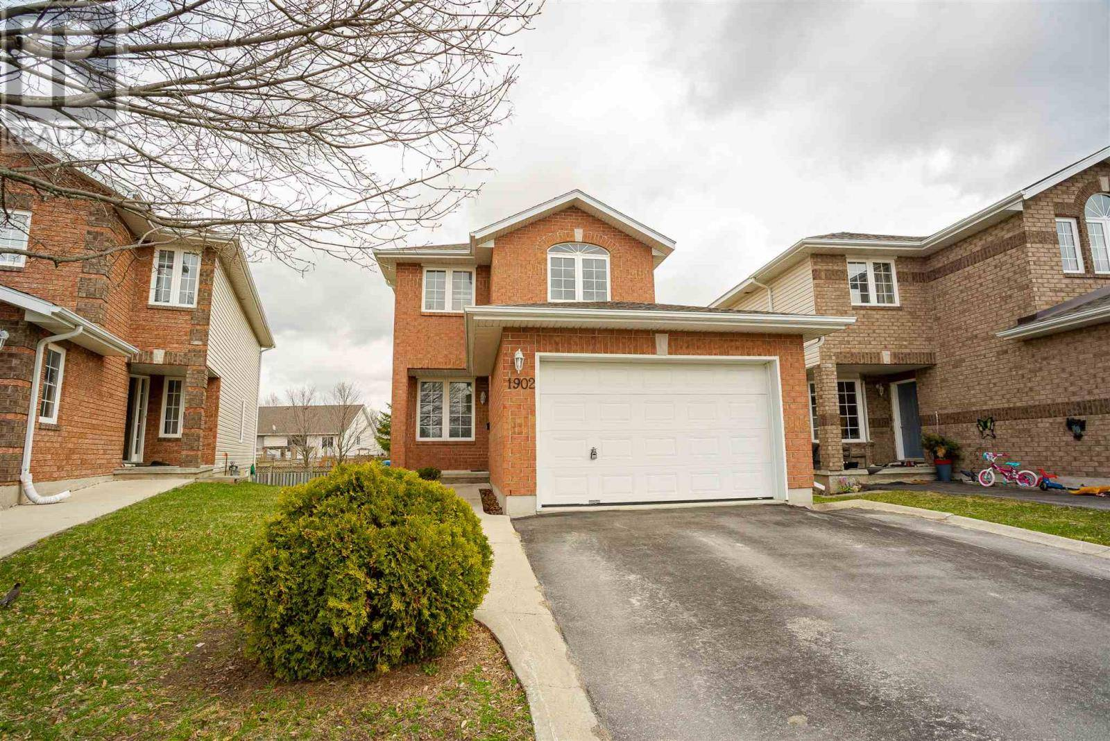 House for sale at 1902 Berrywood Cres Kingston Ontario - MLS: K20001919