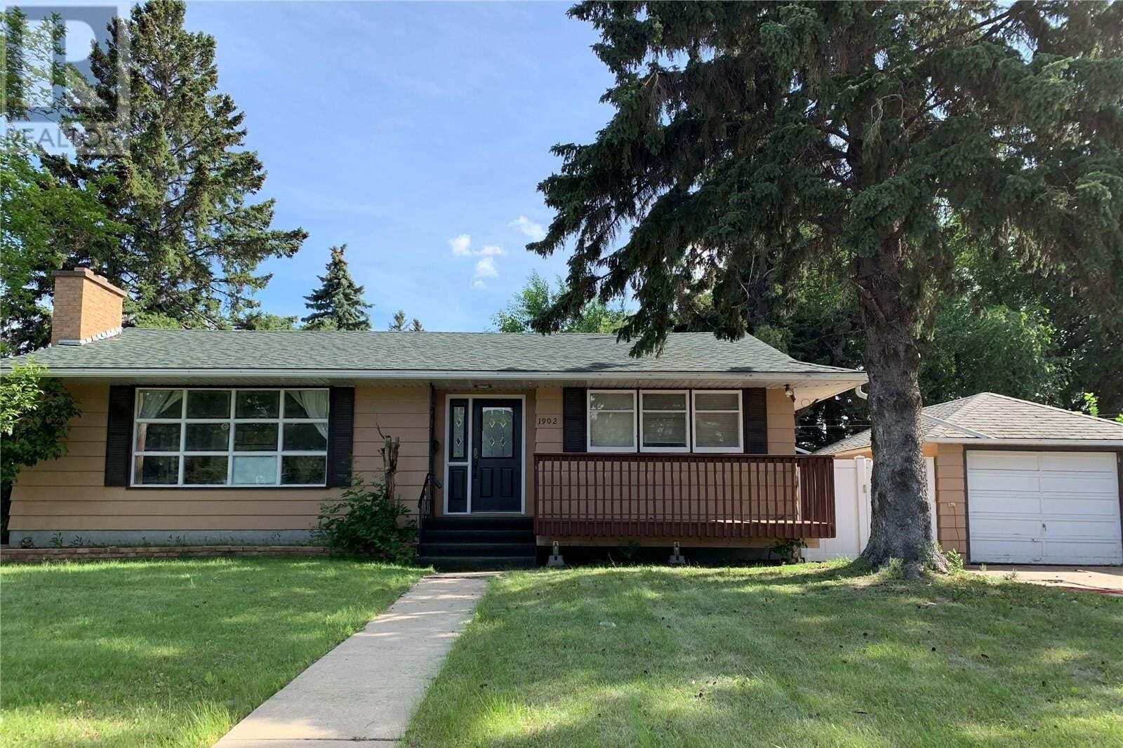 House for sale at 1902 Haultain Ave Saskatoon Saskatchewan - MLS: SK817882