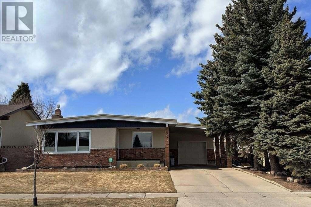 House for sale at 1902 Lakemount Blvd Lethbridge Alberta - MLS: LD0190953