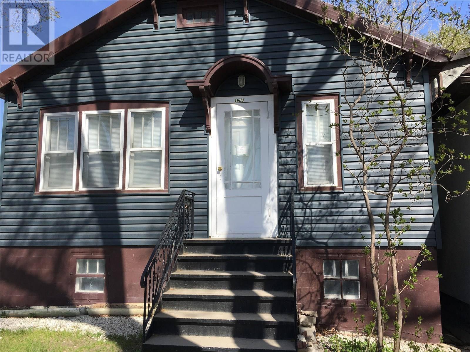 House for sale at 1903 Toronto St Regina Saskatchewan - MLS: SK772051