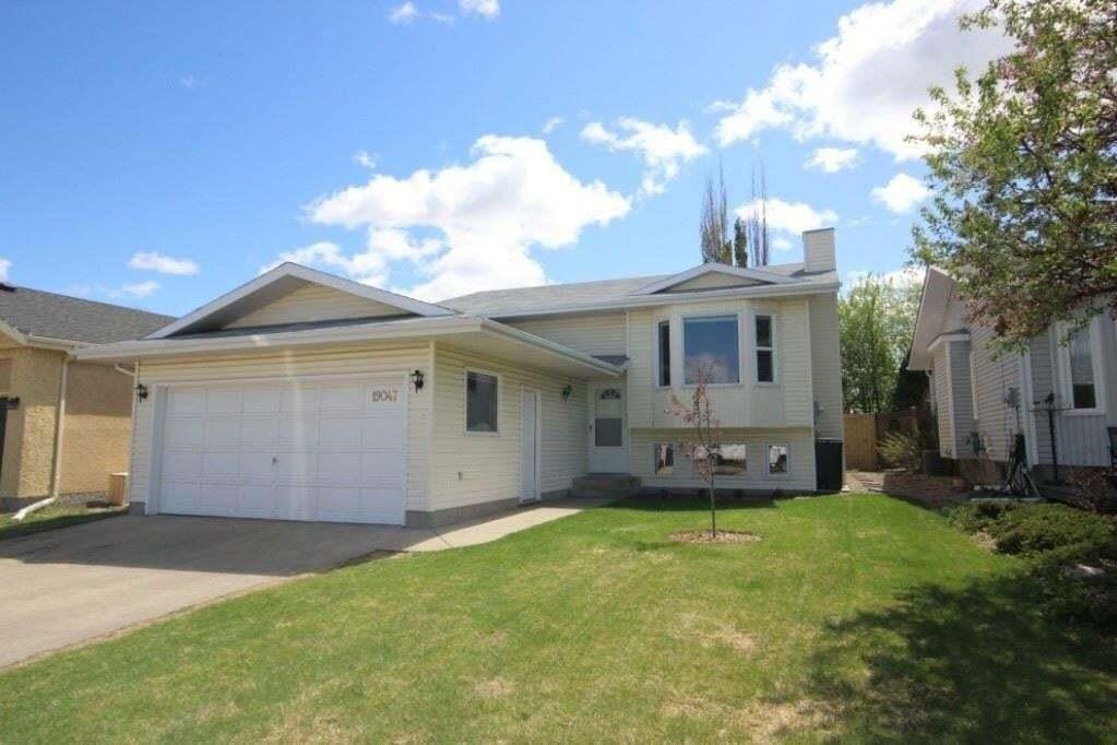 House for sale at 19047 71 Av NW Edmonton Alberta - MLS: E4198364
