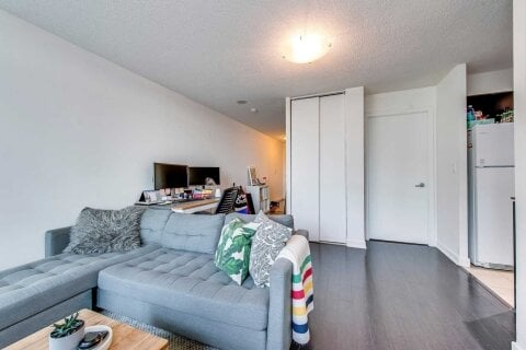 Apartment for rent at 397 Front St Unit 1907 Toronto Ontario - MLS: C4966403