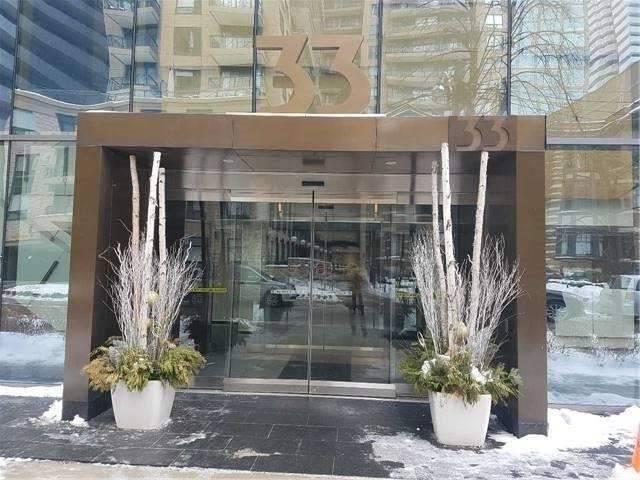 Casa Condos Condos: 33 Charles Street East, Toronto, ON
