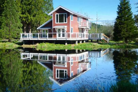 House for sale at 1909 Georgeson Bay Rd Galiano Island British Columbia - MLS: R2448065