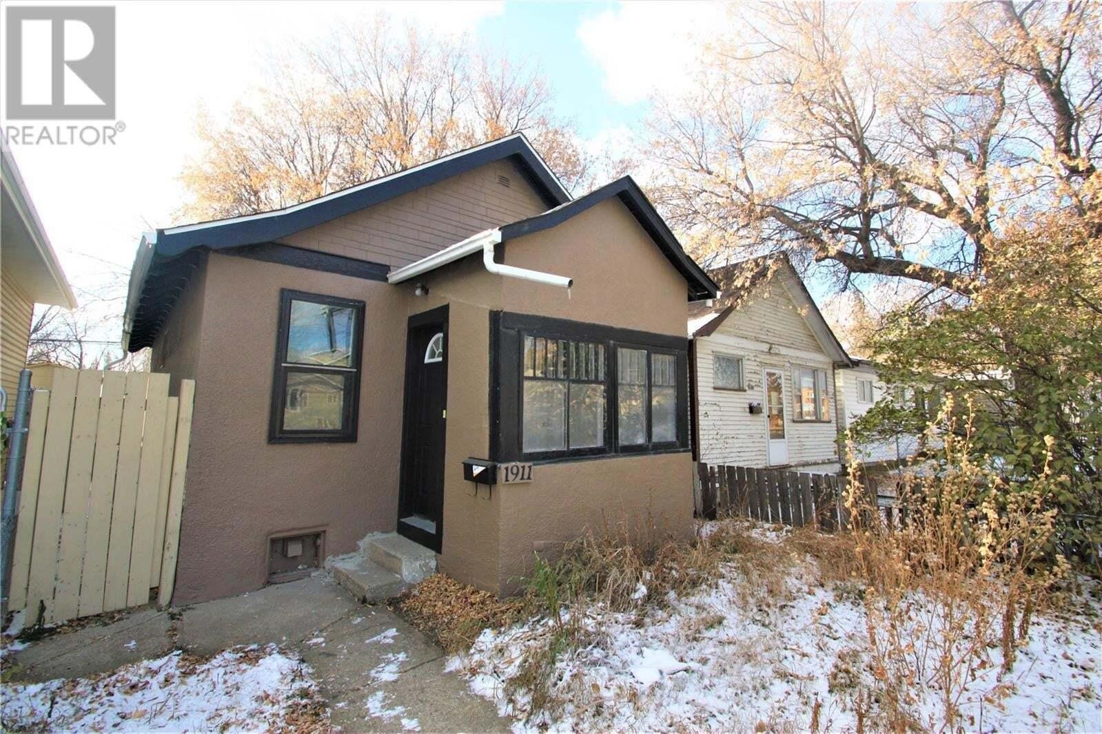 House for sale at 1911 20th St W Saskatoon Saskatchewan - MLS: SK831106