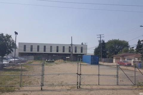 Home for sale at 1914 Rothwell St Regina Saskatchewan - MLS: SK777903
