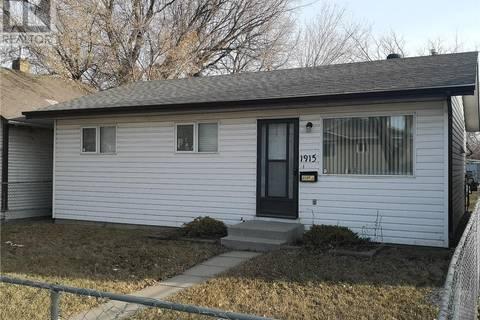 House for sale at 1915 20th St W Saskatoon Saskatchewan - MLS: SK766377