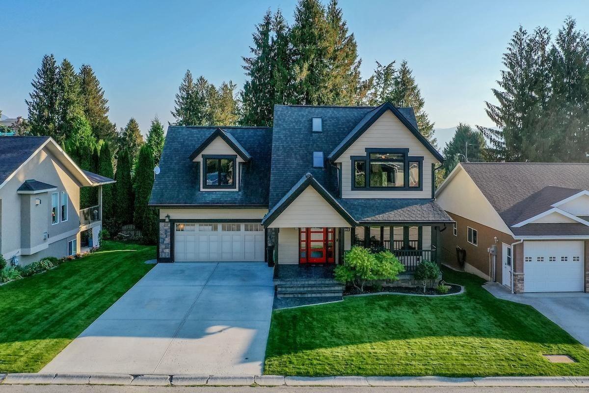 House for sale at 1915 Alder St Creston British Columbia - MLS: 2454861
