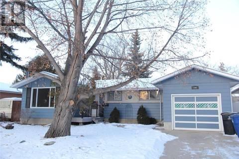 House for sale at 192 Tucker Cres Saskatoon Saskatchewan - MLS: SK797301