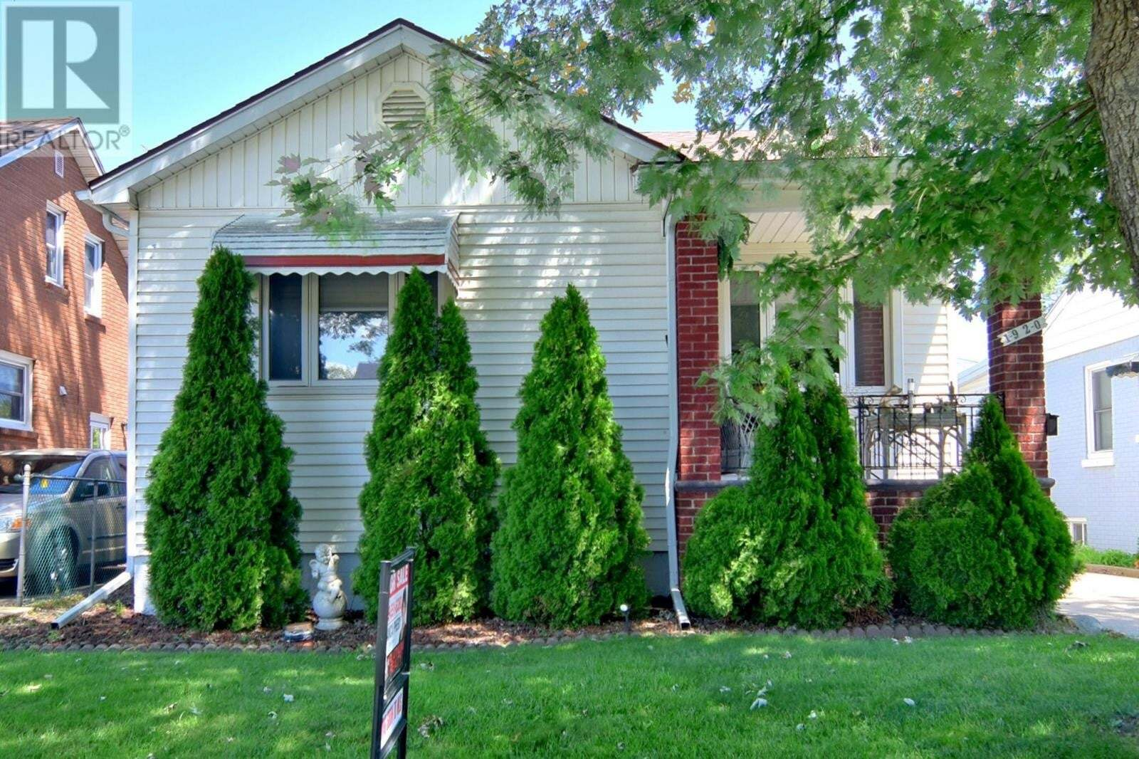 House for sale at 1920 George St Windsor Ontario - MLS: 20009878