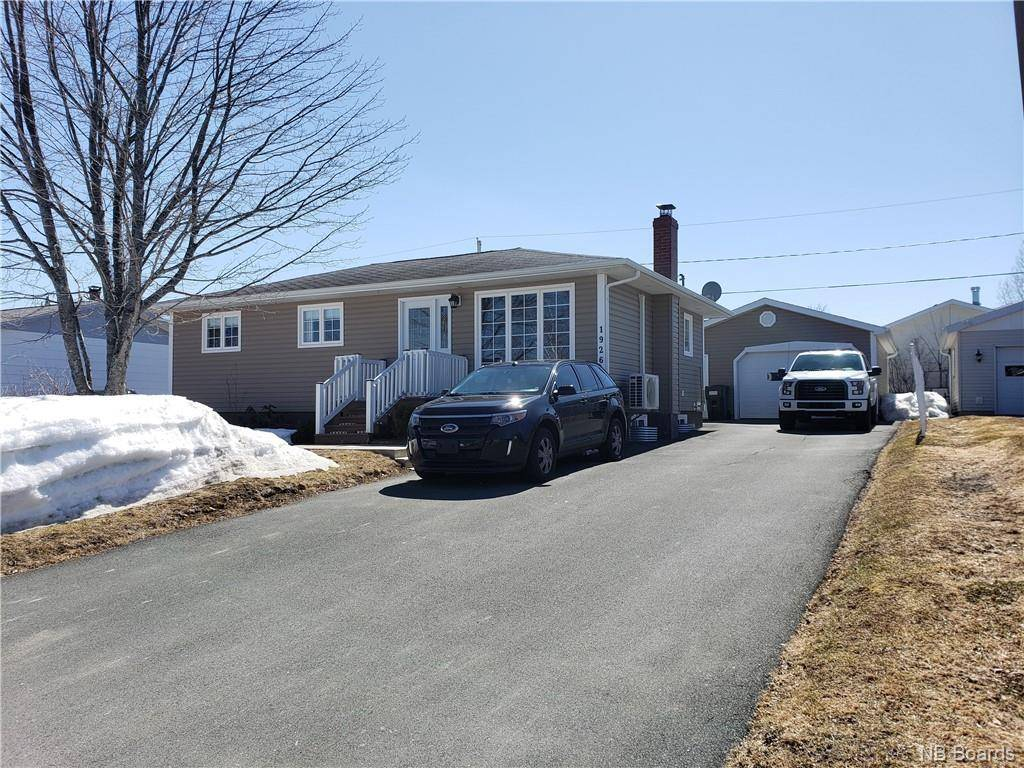 House for sale at 1926 Hinton  Bathurst New Brunswick - MLS: NB042691