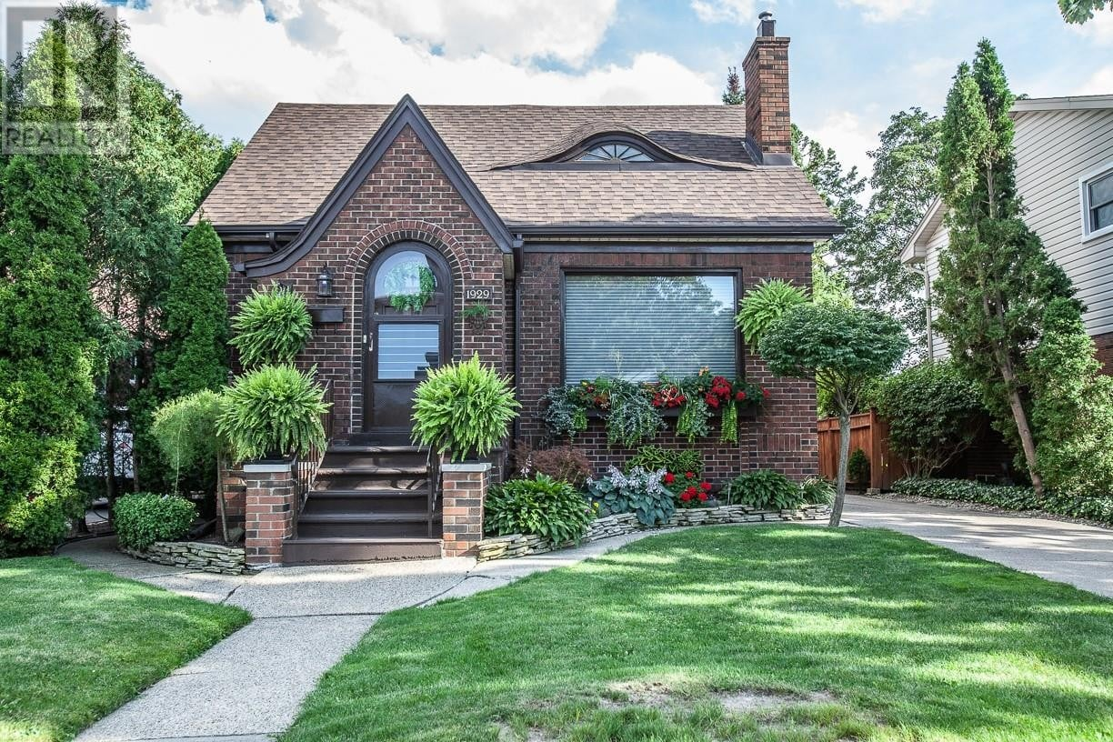 House for sale at 1929 Alsace Ave Windsor Ontario - MLS: 20010180