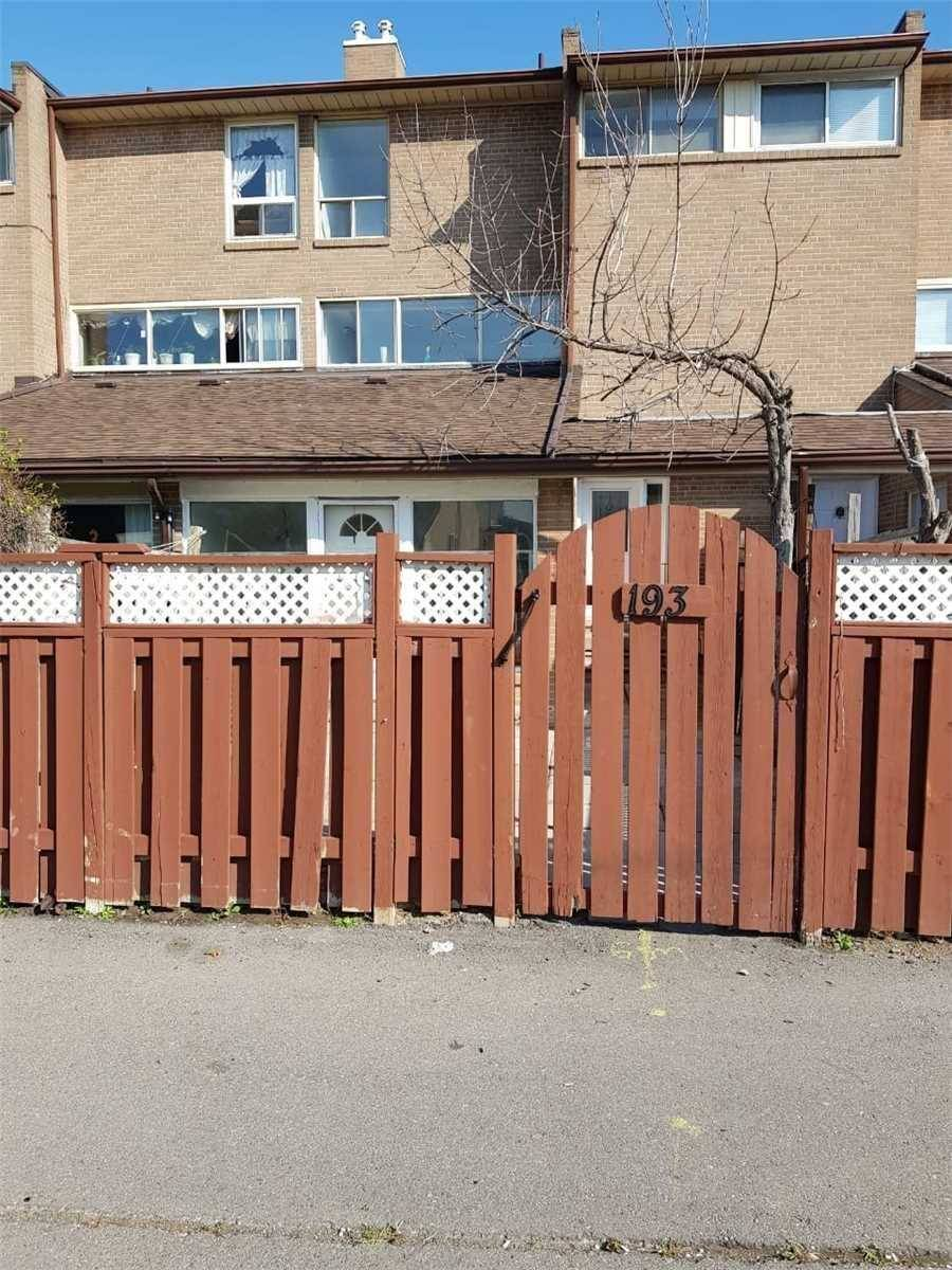Buliding: 262 John Garland Boulevard, Toronto, ON