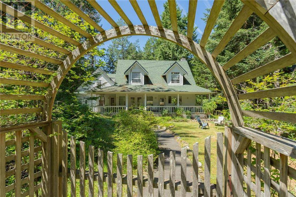 House for sale at 193 Georgina Point Rd Mayne Island British Columbia - MLS: 412660