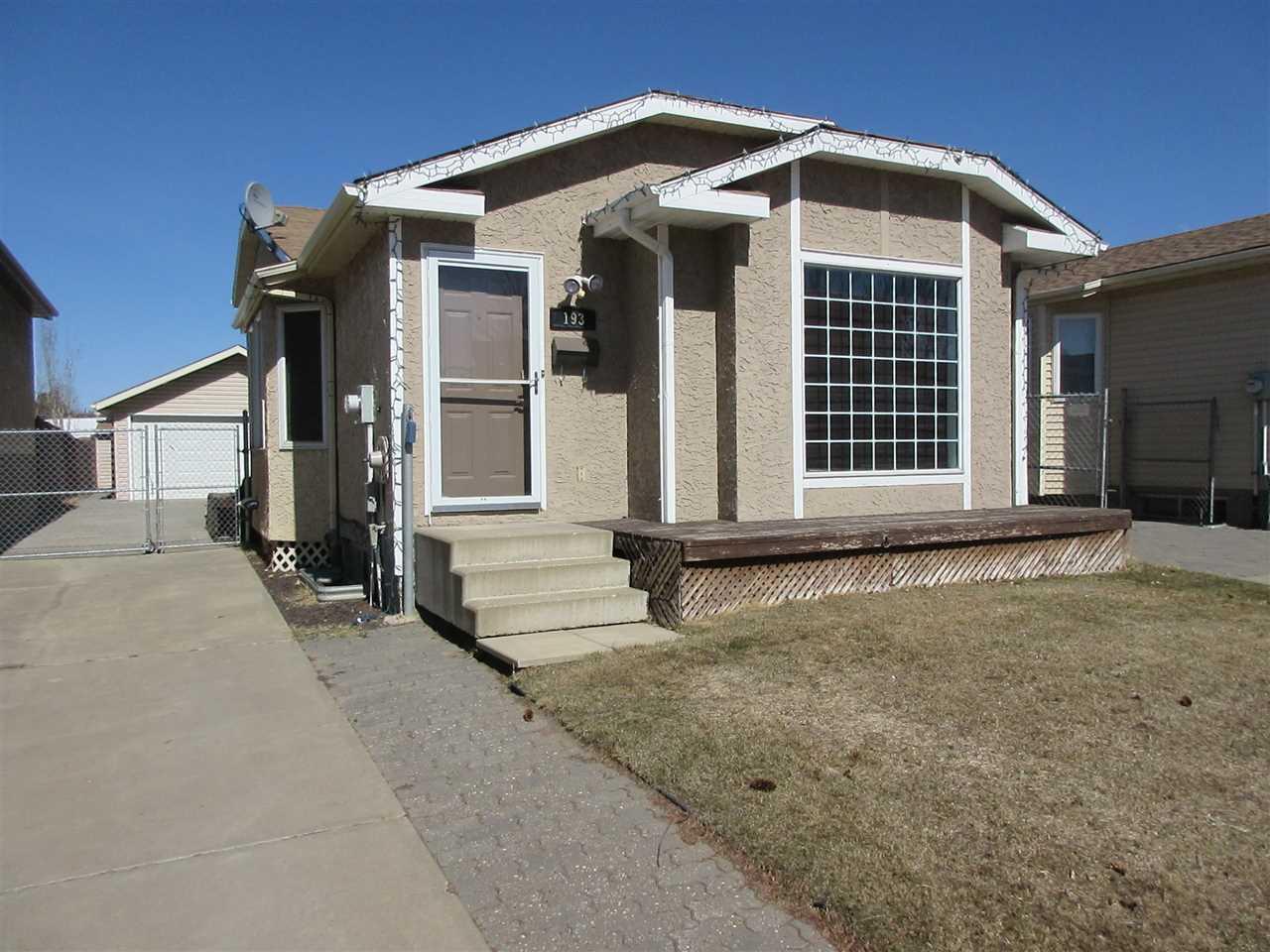 For Sale: 193 Hyndman Crescent North West, Edmonton, AB | 3 Bed, 2 Bath House for $319,900. See 15 photos!