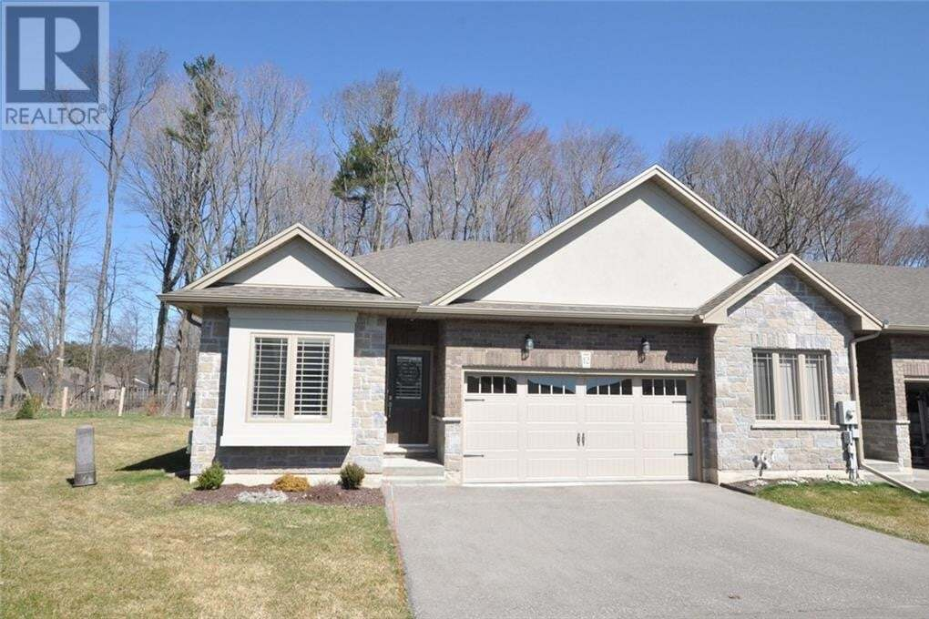 Townhouse for sale at 194 Donly Drive Dr South Simcoe Ontario - MLS: 30800226