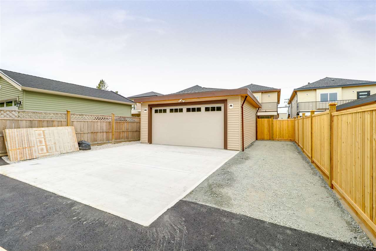 For Sale: 1942 Mclean Avenue, Port Coquitlam, BC   6 Bed, 4 Bath House for $1,299,000. See 19 photos!