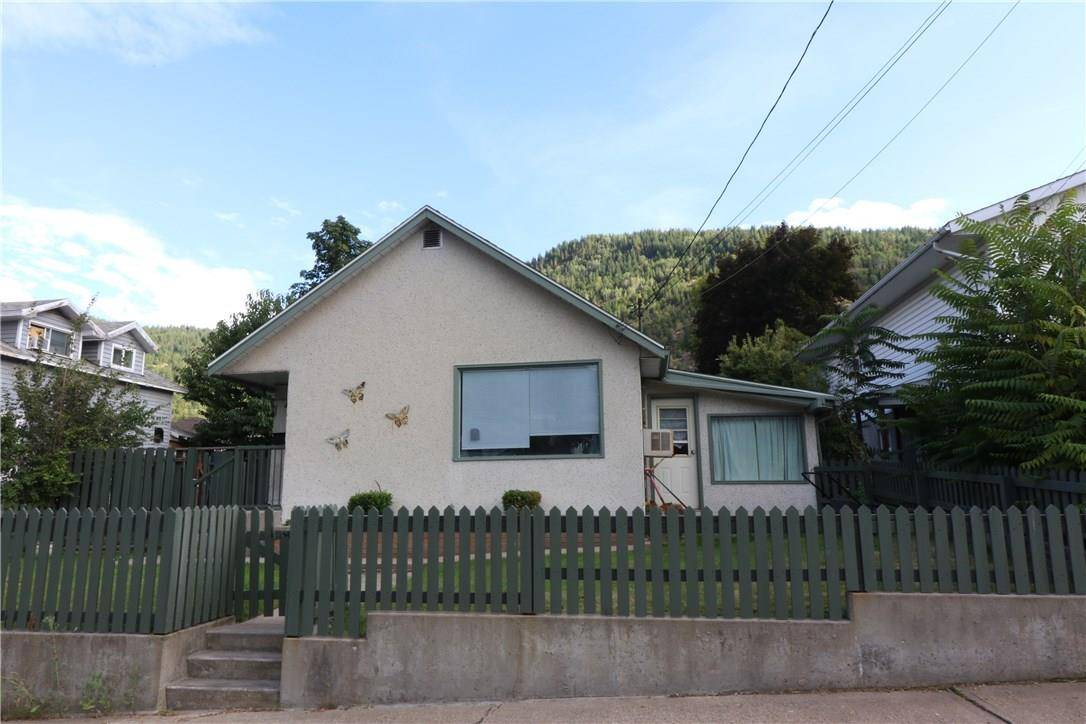 House for sale at 1942 Third Ave Trail British Columbia - MLS: 2439707