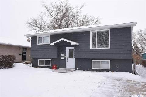 House for sale at 195 Read Ave Regina Saskatchewan - MLS: SK800207