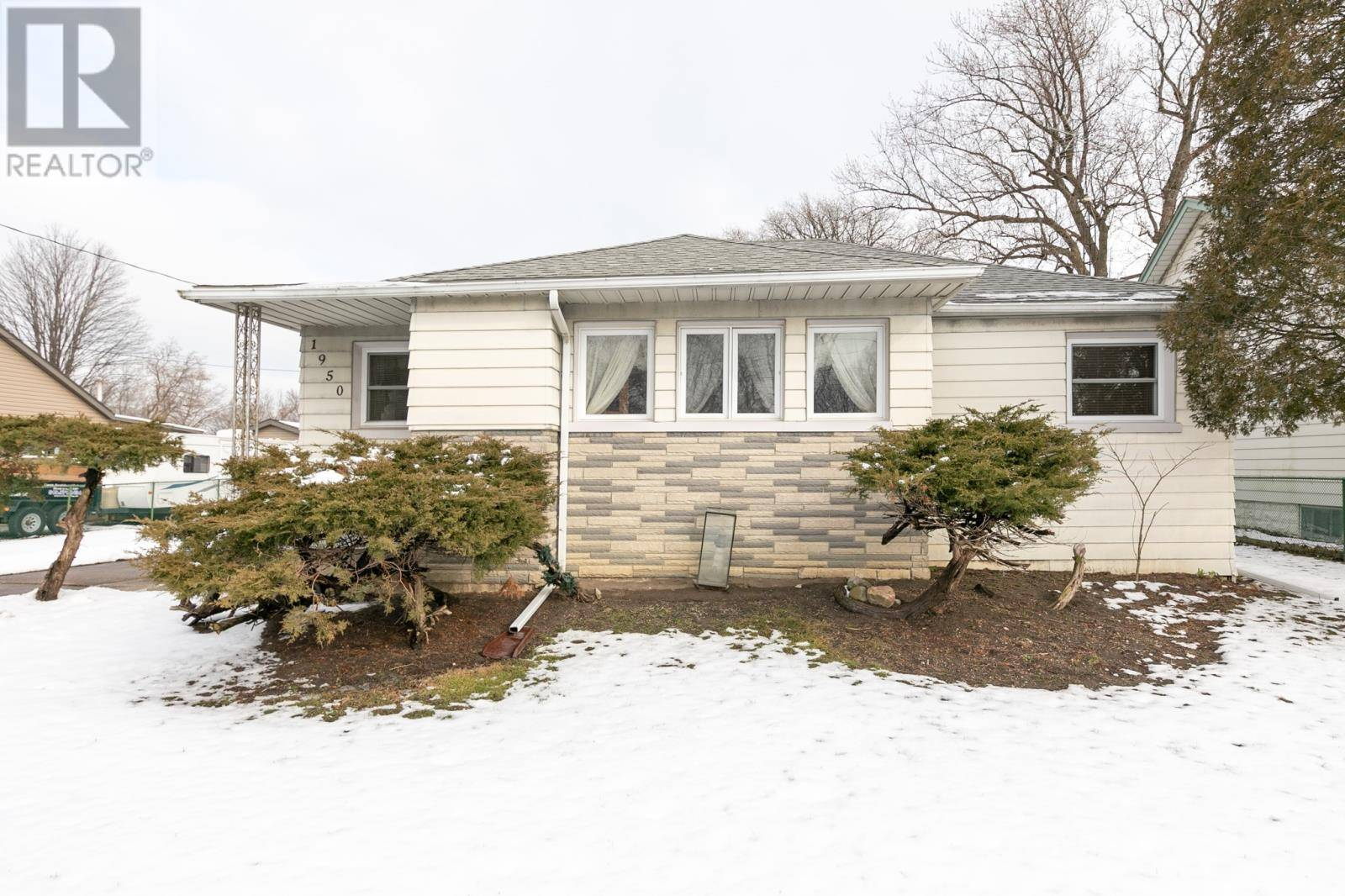 House for sale at 1950 Balfour  Windsor Ontario - MLS: 20001710